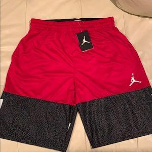 🏀✈️ Men's Nike Air Jordan basketball shorts NWT L
